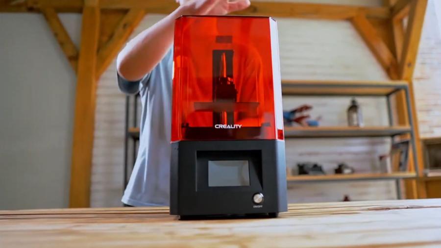 Zobacz, co potrafi żywiczna drukarka Creality LD-002H (wideo)