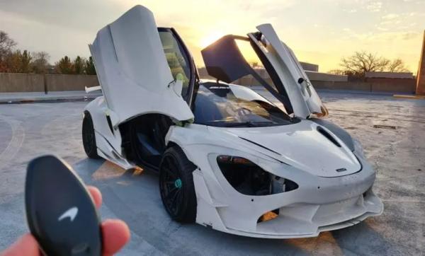 1016 Industries zadebiutuje w 2021 roku jako pierwszy kompletny zestaw samochodowy wydrukowany w 3D